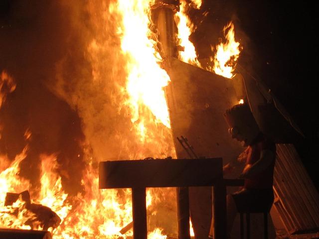 スペイン火祭り